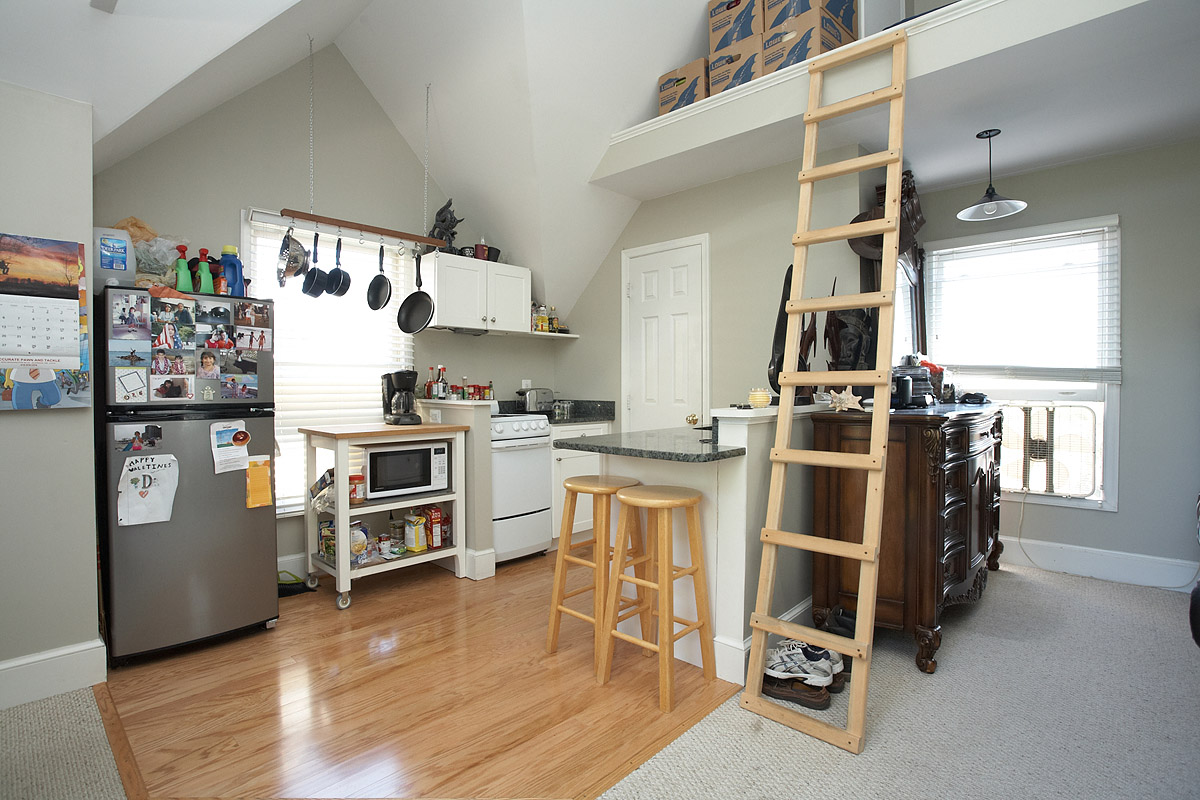 348 Tschiffely Square Road, Gaithersburg, MD 20878